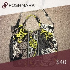 Vera Bradley Crossbody Excellent large sized bag/purse! Only used a few times. The bag is from a clean smoke free home. Vera Bradley Bags Crossbody Bags