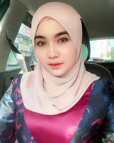 Baju Kurung - Buy Baju Kurung at Best Price in Malaysia Arab Girls Hijab, Girl Hijab, Muslim Girls, Hijab Outfit, Dress Outfits, Beautiful Muslim Women, Beautiful Hijab, Hijab Chic, Hijab Look