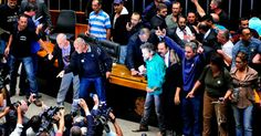 """Manifestantes na Câmara dos Deputados: """"invasão"""" ou """"ocupação""""?"""