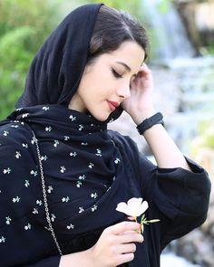 Stylish Work Outfits, Stylish Girls Photos, Stylish Girl Pic, Hijabi Girl, Girl Hijab, Beautiful Girl Photo, Beautiful Hijab, Iranian Beauty, Persian Beauties