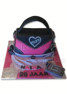 Guess purse Cake Guess Purses, Cute Purses, Purses And Bags, Luggage Cake, Gucci Cake, Hat Cake, Unique Cakes, Prada Handbags, Cupcake Cakes
