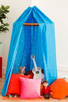 Have an adventure filled staycation in with this epic movie fort and cocoa bar.