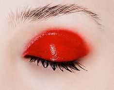 no need to fear red eye make up when it's glossy! Makeup Inspo, Makeup Art, Hair Makeup, Red Makeup, Makeup Eyes, Glow Skin, Make Up Looks, Red Aesthetic, War Paint