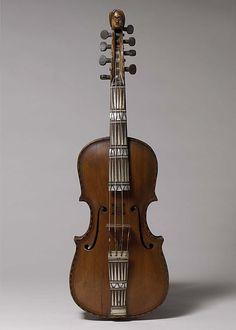 1756 Norwegian Hardanger fiddle at the Metropolitan Museum of Art, New York