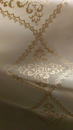 Ausstellung des Beylerbeyi-Palastes in Uskudar - # Filet Crochet, Crochet Motif, Drawn Thread, Thread Art, Hardanger Embroidery, Cross Stitch Embroidery, Broderie Bargello, Romantic Bedroom Design, Crochet Tablecloth