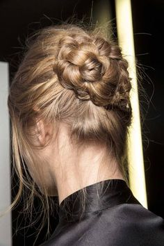 Hair Styles 2018 Wind a braided pony into a chunky bun. Discovred by : Byrdie Beauty Quick Hairstyles, Pretty Hairstyles, Braided Hairstyles, Wavy Hair, Her Hair, Good Hair Day, Perfect Curls, Looks Style, Hair Dos