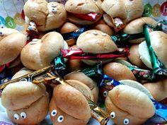 Rezept Geburtstags Znüni – Wie du ohne grossen Aufwand ein leckeres Znüni, das allen schmeckt für den Kindergeburtstag herstellst, zeigt dir heute Claudia. Kochen für Kinder ist nicht immer ganz einfach, aber mit ein paar kleinen Tricks begeisterst du auch die mäkeligsten Esserinnen & Esser am Tisch. #Geburtstag #Znüni #Schule #Kindergarten #Kita #EssenmitKindern #KochenfürKinder #Kinderessen #Kindermenu #Kindergericht Kids Meals, Stuffed Mushrooms, Food And Drink, Vegetables, Kindergarten, Tricks, Food Ideas, Kid Cooking, Recipes For Children