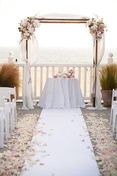 Arco com Flores para a Cerimônia!
