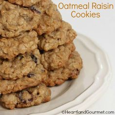 Oatmeal Raisin Cookies Regular, Organic and Gluten Free Candy Cookies, Cookie Desserts, Gluten Free Oatmeal, Oatmeal Raisin Cookies, Gluten Free Recipes, Good Food, Organic, Dishes, Baking