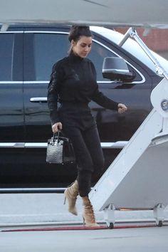 Kim Kardashian And Kanye, Kardashian Style, Kardashian Jenner, Kim And Kourtney, Kim And Kanye, Yeezy, Jogging, Celebrity Airport Style, Best Casual Outfits