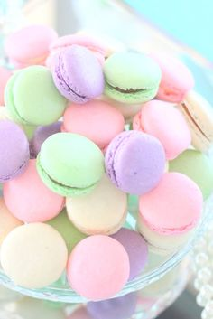 pastel, sweet, and macaroons image - Desserts, sweets & food - Macarons Dessert Dips, Macaron Dessert, Dessert Tables, Pastel Floral, Pastel Colors, Pastel Palette, Colours, Green Colors, Cute Desserts