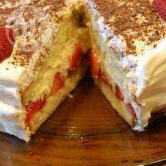 Snelle aardbeien-slagroomtaart @ allrecipes.nl
