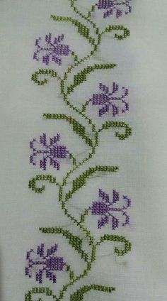 Towel with Cross-Stitch Cross Stitch Borders, Simple Cross Stitch, Cross Stitch Flowers, Cross Stitch Charts, Cross Stitch Designs, Cross Stitching, Cross Stitch Embroidery, Embroidery Patterns, Hand Embroidery