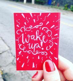 Acorda que a semana é curta! #tgiferiado #handlettering #letracursiva #handwriting #dailytype