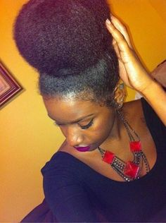 "naturalhairqueens: ""Natural Hair Bun """