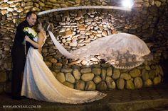 Véu da noiva, ensaio com os noivos,Igreja catolica, Igreja São Jose. Photo from Wedding  collection by Above ALL fotografia e filmagem