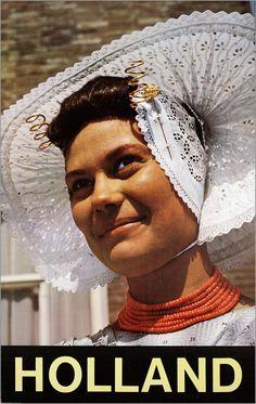 Zeeuwse boerin 1966 ANVV Reclame affiche. Zeeland, Arnemuiden. European Costumes, Norwegian Style, Dutch Women, Painting People, Koh Tao, Folk Costume, My Heritage, Headgear, Traditional Dresses