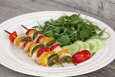 Caprese Salad, Sushi, Health Fitness, Ethnic Recipes, Delena, Food, Red Peppers, Meals, Yemek