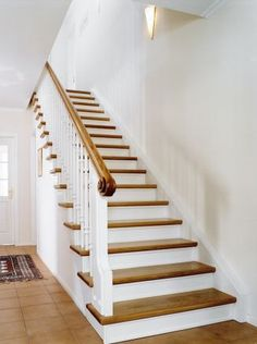 Straight oak staircase The straight oak staircase has saddled steps. A special feature is the carved handrail screw with its distinctive undercuts. Straight oak staircase The straight oak staircase has a saddled step . Tile Stairs, House Stairs, Carpet Stairs, Oak Stairs, Wooden Staircases, Wooden Stairs, Stairways, Beautiful Homes, House Plans