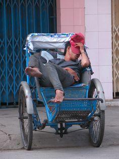 Tricycle taxi in Nha Trang, Vietnam (2005) - Photo taken by BradJill