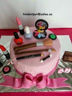 Tartas fondant Puri: Una tarta para chicas presumidas.
