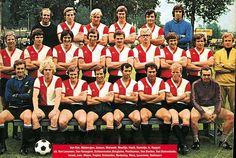 Feyenoord 1971 Best Football Team, School Football, Football Soccer, Football Shirts, Soccer Teams, Rotterdam, Best Club, Team Photos, Old And New