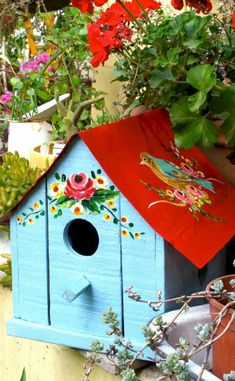 Awesome Bird House Ideas For Your Garden 120 image is part of 130 Awesome Bird House Ideas for Your Backyard Decorations gallery, you can read and see another amazing image 130 Awesome Bird House Ideas for Your Backyard Decorations on website Cool Bird Houses, Wooden Bird Houses, Decorative Bird Houses, Bird Houses Painted, Wooden House, Bird House Feeder, Bird Feeders, Bird Boxes, Yard Art