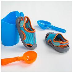Crocs Kid's Swiftwater Sandal, μία έξυπνη λύση για όλα τα παιδιά. Κατάλληλο για βόλτες και για την παραλία. Crocs, Sandals, Kids, Fashion, Young Children, Moda, Shoes Sandals, Boys, Fashion Styles