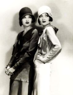 ~Flapper girls, c.1920's. Should have been able to live in this era!!! So beautiful!