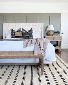 Home Bedroom, Bedroom Furniture, Bedroom Decor, Bedroom Inspo, Bedroom Small, Feng Shui Your Bedroom, Feng Shui Bedroom Layout, Master Bedroom Makeover, Relaxing Master Bedroom