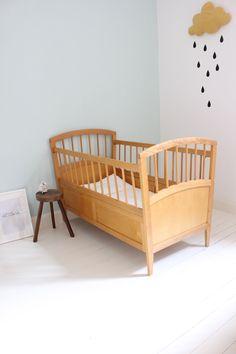 Simple and sweet pastel nursery for baby boy or girl. Cool Kids Bedrooms, Girls Bedroom, Nursery Room, Baby Room, Best Crib, Nursery Neutral, Pastel Nursery, Kids Corner, Fashion Room