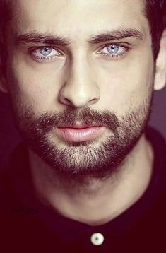 Onur tuna Turkish Men, Turkish Beauty, Turkish Actors, Pretty Eyes, Cool Eyes, Beautiful Eyes, Beautiful Pictures, Beatiful People, Blue Eyed Men