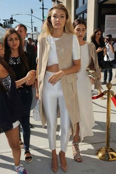hadidnews: Gigi Hadid and Lily Aldridge attend the Serena Williams show during Spring 2016 on September 2015 in New York City. hadidnews: Gigi Hadid and Lily Aldridge attend the Serena Williams show during Spring 2016 on September 2015 in New York City. Style Outfits, Mode Outfits, Look Fashion, High Fashion, Spring Look, Spring 2016, Gigi Hadid Style, Look Street Style, Business Outfit