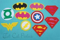 Super Hero Emblem por FatCatParties en Etsy Superhero Capes, Superhero Logos, Super Hero Day, Villains Party, Felt Bows, Super Hero Costumes, Felt Ornaments, Teacher Appreciation Luncheon, Hero Crafts