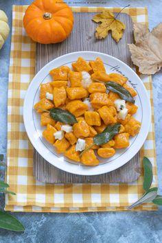Pumpkin Gnocchi, Kitchen Confidential, Ravioli, Fett, Sweet Potato, Food And Drink, Potatoes, Salvia, Vegetables
