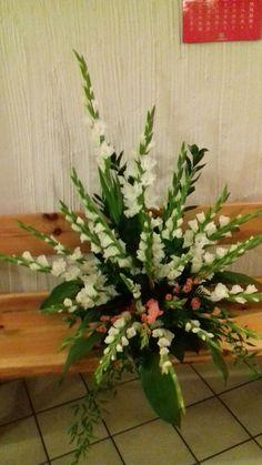 Flower Arrangement, Floral Arrangements, Dessert, Deco, Flowers, Plants, Flower Arrangements, Small Gardens, Garden