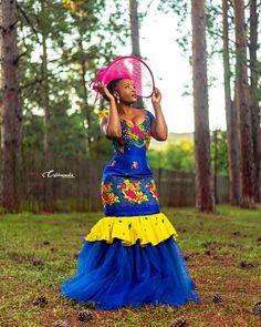 African Traditional Wear, African Traditional Wedding Dress, Traditional Wedding Attire, African Print Fashion, African Fashion Dresses, African Dress, Fashion Corner, Weeding, Wedding Stuff