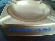PAN AM CinzeiroAntigo em Alumínio Cinzeiro em Alumínio da PAN AM em alumínio em excelente estado 15 cm de lado Faço entrega em Lisboa