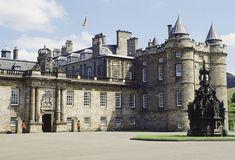 Holyrood House Nottingham Cottage, Frogmore House, Hillsborough Castle, Royal Lodge, Holyrood Palace, Elisabeth Ii, British Royal Families, Royal Residence, Windsor Castle