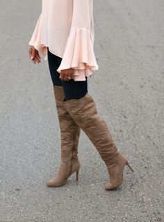 Pink Flutter Sleeves - Lex What Wear #fashionblogger #styleblog #nashvillestyle #fallfashion #fallstyle #falloutfit #outfitideas #outfitinspiration #styleideas #blogger #bloggerstyle #fall #nashville #outfit