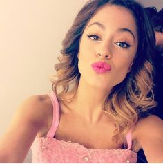 Martina Stoessel → eyes and make up Ross Lynch, Disney Channel, Celebrity Couples, Celebrity News, Camilla, Violetta Live, Luke Benward, Idol, Popular People