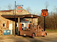 Old gas station along an old alignment of Route 66 at Spencer, Mo. Phillips 66, Old Gas Stations, Gas Pumps, Old Buildings, Route 66, Missouri, America, Sketch Art, Diners