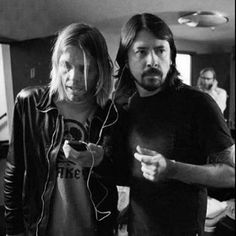 #davegrohl #taylorhawkins #foofighters