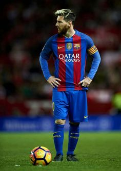 Lionel Messi Photos Photos - Lionel Messi of FC Barcelona looks on during the match between Sevilla FC vs FC Barcelona as part of La Liga at Ramon Sanchez Pizjuan Stadium on November 2016 in Seville, Spain. - Sevilla FC v FC Barcelona - La Liga Fc Barcelona, Lionel Messi Barcelona, Barcelona Football, Messi 2016, Real Madrid Atletico, Lionel Messi Wallpapers, Messi Photos, Messi Soccer, Messi And Ronaldo