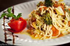 Linguine Con Broccoli E Pomodori: Linguine coated in broccoli, tomatoes, garlic, and olive oil.  Come and enjoy our delicious and fresh entrees this week!  We are open for lunch and dinner, call to reserve a table today  951-296-2066