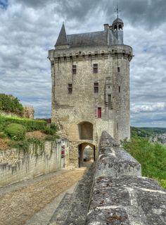 Chateau de Chinon dans la Loire, history of Jeanne d'Arc Chateau De Chinon, Loire Valley, Beau Site, French Castles, Château Fort, Castle Ruins, French Chateau, French Countryside, Beautiful Buildings