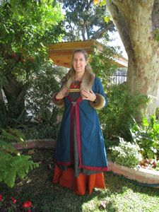 Una's Viking outfit with kaftan.
