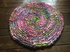 Pink Gray and Green Rag Rug von TheKookyKrafter auf Etsy