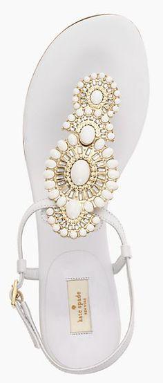 Gorgeous #katespade sandals http://rstyle.me/n/ki469nyg6