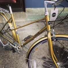 A look at the new gold Mixte 3 from @Bikes on Wheels. #gold #mixte #bike #linusbike